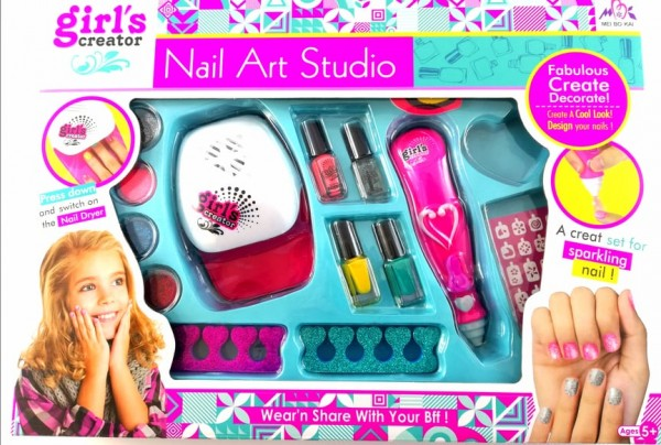 Сет за маникюр Nail Art Studio
